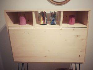 bureau final fermé en bois